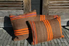 coussins orange kilim vintage marron orange mauve jaune