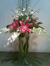 wedding flowers lebanon send a a lovely centerpiece to lebanon it consists of