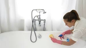 How To Remove Stains From Bathtub Best Way To Remove Bathtub Stains Tubethevote
