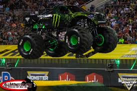 monster jam madusa truck monster jam world finals xvii photos friday racing
