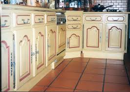 peindre un meuble de cuisine repeindre meuble cuisine chene evtod