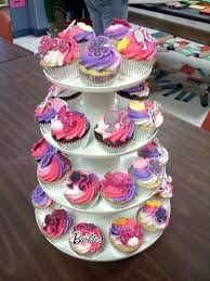 Best 25 Barbie Birthday Party by Best 25 Barbie Cupcakes Ideas On Pinterest Decorate Your Own
