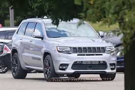 jeep hellcat custom spied 2018 jeep grand cherokee trackhawk in the buff