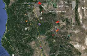 Oregon Fires Map Oregon Gulch Fire Burns Across Or Ca Border Wildfire Today