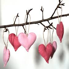 six pink felt heart decorations 20 00 via etsy hearts
