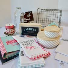 How To Make Gift Baskets How To Make A Fabulous Raffle Basket Momma Can