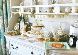 Decorating Tips For New Years Eve Party by Family Friendly New Years Party Ideas The Diy Mommy