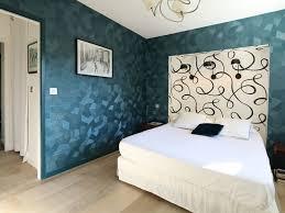chambre avec papier peint le papier peint à motifs quelconstructeurchoisir