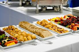 wedding caterers how to hire the wedding catering service weddingelation