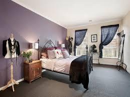 Bedroom Design Idea With Carpet  Sash Windows Using Cream Colours - Colourful bedroom ideas