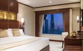 chambre d hotel dubai warwick international hotels ouvre 1er hôtel à dubaï