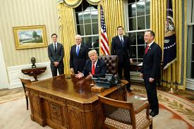 gold curtains in the oval office donald trump already redecorated the oval office and of course