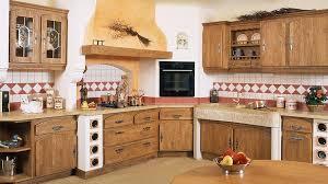 decoration de cuisine en bois modele de cuisine ancienne on decoration d interieur moderne avignon