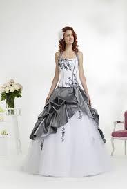 robe de mariã e grise et blanche robe de mariee blanche et grise mariage toulouse