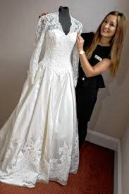 kate replica wedding dress adds royal glamour to grand auction