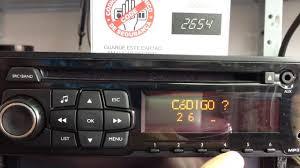 como digitar código de segurança em radios originais citroën