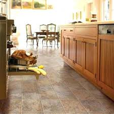 kitchen flooring tile ideas 43 best honey oak cabinets and floors images on kitchen