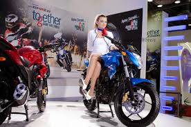 suzuki motorcycle 150cc suzuki gixxer 150 to be launched in august launch date price and