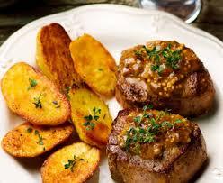 comment cuisiner un filet mignon de porc en cocotte filet mignon de porc rôti à la moutarde à l ancienne recette de