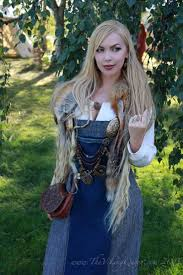 hair styles for viking ladyd the viking queen at gjallarstadir viking market https