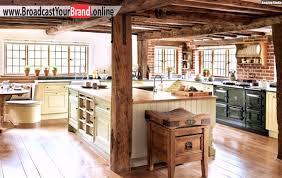 küche landhaus rustikale landhaus küchen einrichtung backsteinwand holztheke