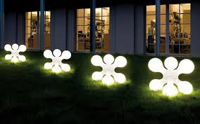 modern outdoor light with unique design shaped box with