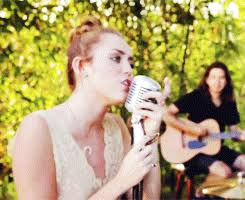 The Backyard Session My Gif 1k My Edit Miley Cyrus Gifset Jolene Miley Cyrus Gif The