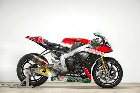 superbike honda honda racing unveil 2016 british superbike colours bikesport news