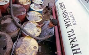 Minyak Tanah Per Liter harga minyak tanah di ende capai rp 50 ribu per jerigen victory news
