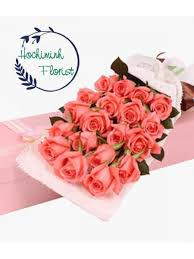 flowers in a box dozen pink roses in a box