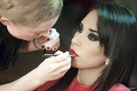 becoming a makeup artist how to become a makeup artist some useful tips make up artist