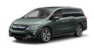 lexus family van 2018 honda odyssey steps up to the new minivan battle