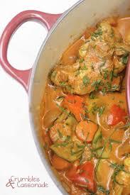 cuisine cocotte en fonte les plats qui mijotent longuement dans une grosse cocotte en fonte