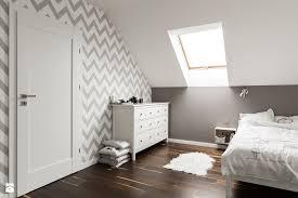 peinture mur de chambre peinture décorative dessin géométrique sublimez les murs