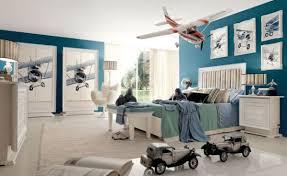 tableau chambre gar n déco chambre garçon en bleu 20 inspirations fascinantes
