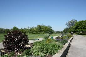 Garden Park Family Practice - play golf at heritage bluffs public golf club in channahon il 60410