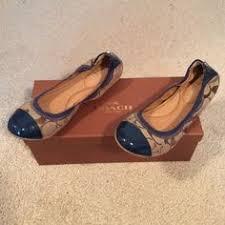 Dexflex Comfort Flats Flash Sale Dexflex Comfort Flats Shoes Stand