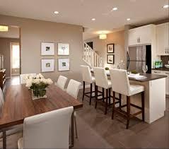 cuisine avec table à manger amenagement cuisine ouverte avec salle a manger table bois lzzy co