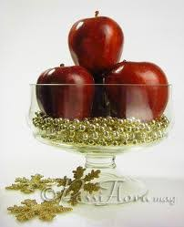 Apple Centerpiece Ideas by The Snow White Centerpiece Hey Baby I Think I Wanna Marry You