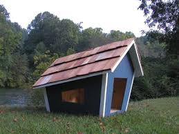 love the whimsical lines on this dog house perfect for scooby doo
