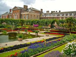 who lives in kensington palace you can get married at kensington palace without being a royal