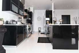 organisation du travail en cuisine organisation cuisine keywest noir et blanc