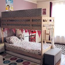 lit chambre séparer une chambre pour 2 enfants avec un lit superposé momes
