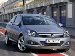 opel silver opel astra gtc 2005 picture 1 of 15