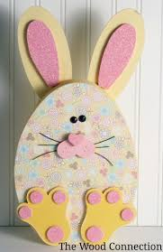 Easter Paper Table Decorations by 355 Best Easter Door Hangers Images On Pinterest Easter Crafts