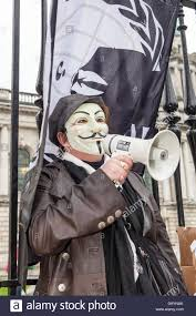 Anonymous Flag Belfast Uk Europe 4th July 2016 A Woman Wearing A Guido Stock