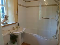 wagmuggle holidays the bathroom has a full sized