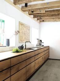 cuisine en bois naturel cuisine en bois naturel cuisine bois massif o le moderne se souvient