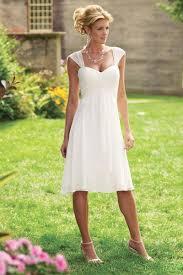 Non Traditional Wedding Dresses 10 Non Traditional Wedding Dresses For The Non Traditional Bride