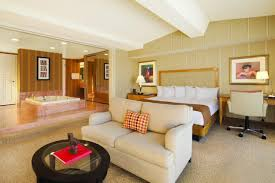 Living Room Vs Parlor Caesars Travel Agents U003e Properties U003e Las Vegas U003e Ballys Las Vegas